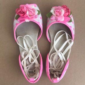 Little girl sandals.
